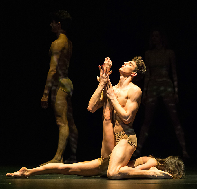 John Neumeiers »Le Sacre«: Rebecca Horner und Francesco Costa © Wiener Staatsballett/Ashley Taylor